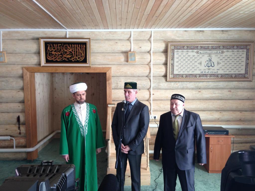 Сергей Морозов, Ильдар Сафиуллин и Эдуард Ганеев в мечети