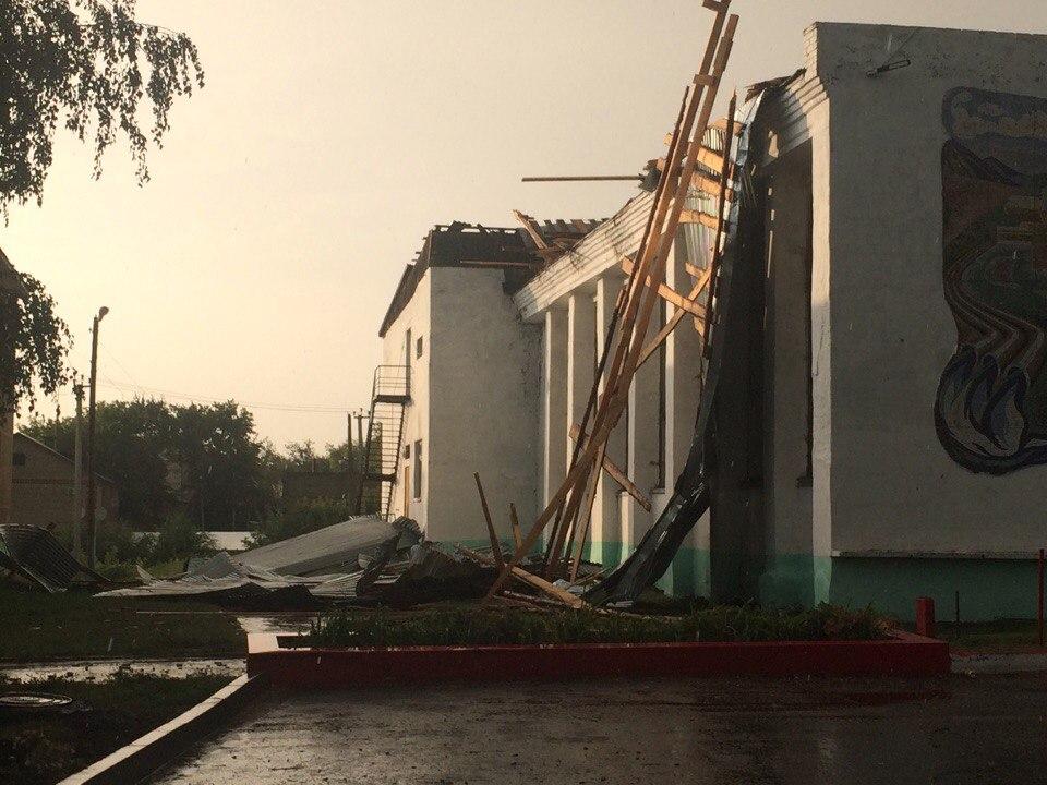 Ураганный ветер сорвал крышу создания музея вУльяновской области